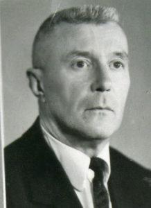 СЕРЕБРЯКОВ Валентин Анатольевич (1908-1992) гигиенист, доктор медицинских наук (1945), профессор (1946), заведующий кафедрой общей гигиены (1970-1984), заслуженный врач Узбекской ССР (1948)