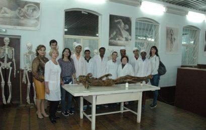 11 октября Астраханский государственный медицинский университет с визитом посетила Дженна Майкл. Она является руководителем образовательного центра Santa-monica в штате Керал, а также партнером организации РАКУС