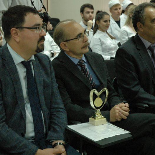 Стоматологи отмечают юбилей фестивалем знаний